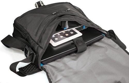 Alienware Vindicator Messenger Bag V2.0 - 17.3 Inch   Gaming   Gaming  Accessories  6cdbf73a432a5